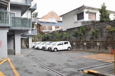【駐車場】ジョイライフマンション (株)Roots