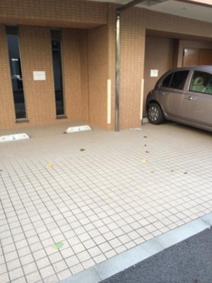 ガリシアレジデンス広尾の駐車場です。