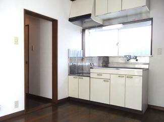 各居室から独立したキッチン