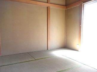 東向きの和室