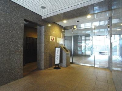 ガラ・シティ笹塚のエントランスです。