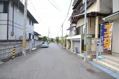 【前面道路含む現地写真】堺市北区百舌鳥西之町 中古戸建