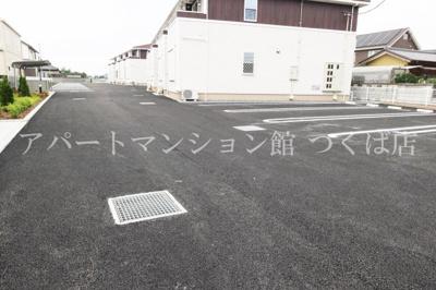 【駐車場】グランド ソレイユA