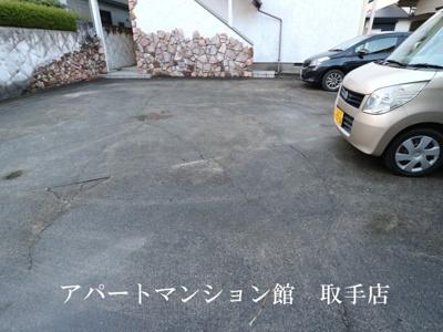 【駐車場】カーペンターハウス