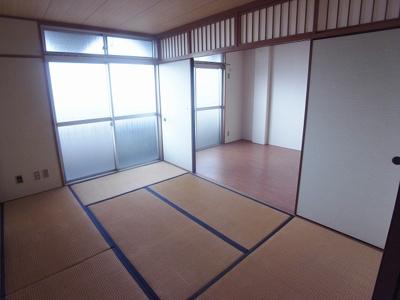 【居間・リビング】ハイローズマンション1番館