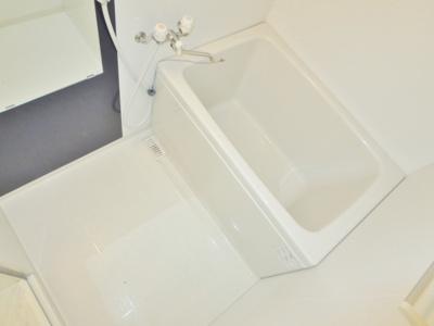 【浴室】軽里2丁目貸家