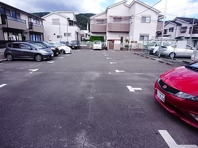 【駐車場】サクラメゾン