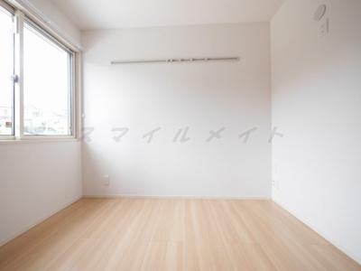 【寝室】ファミーユ 恵~仲介手数料半月分キャンペーン~