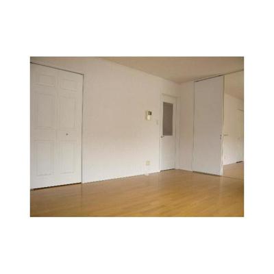 パセオ青葉の森参番館の洋室