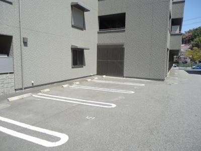 敷地内に駐車場あり