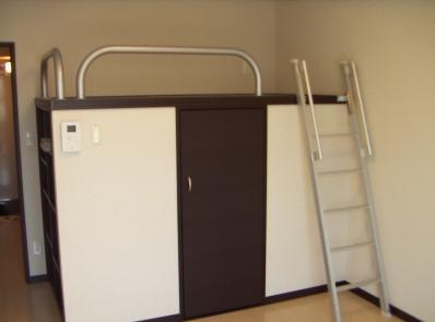 造り付けベット上は、就寝スペースとしてご利用いただけます