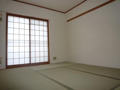 【寝室】高槻阿武山二番街2号棟 (株)Roots