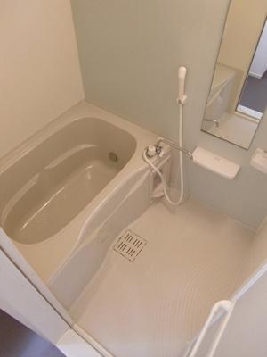 【浴室】メルシーガーデン坂本