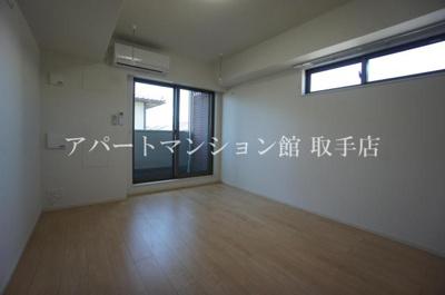 【居間・リビング】フェレスカーレ 戸頭