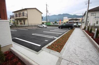 【駐車場】アブニール篠山