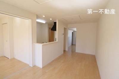 【居間・リビング】ブリアール白池 1