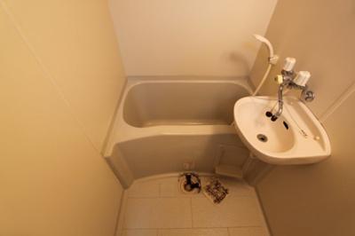【浴室】ロイヤルアネックス連坊