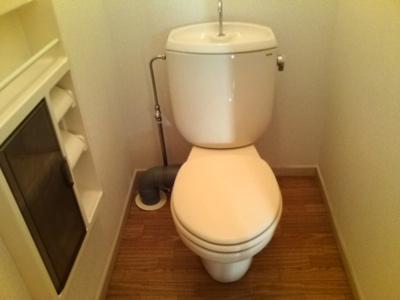 バス・トイレ別の快適トイレ温水洗浄便座つきます
