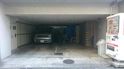 南青山TKハウス駐車場