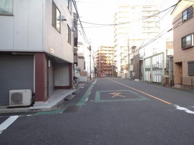 岩川ビル 建物前