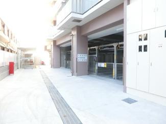 駐車場や駐輪場、バイク置場が広い!