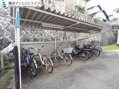 駐輪場空き有りです(月200円)。