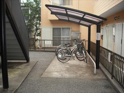 【グランドール21A棟】はバイクの駐輪可能!