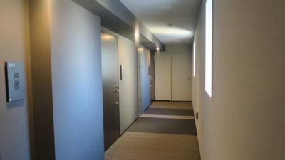 ☆じゅうたん張りのホテルのような廊下です☆ パークアクシス東上野