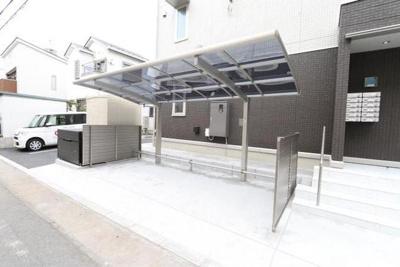 ファーストステージ小田急相模原の駐輪場