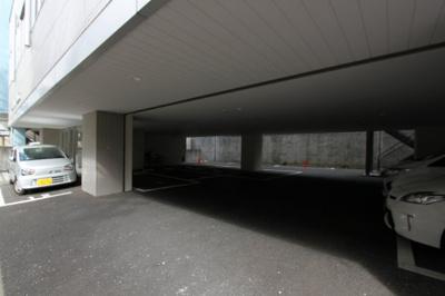 【駐車場】La Douceur榴ヶ岡