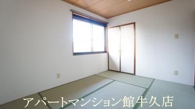 収納豊富な寝室♪