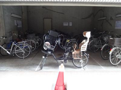 シティアドバンス 駐輪場