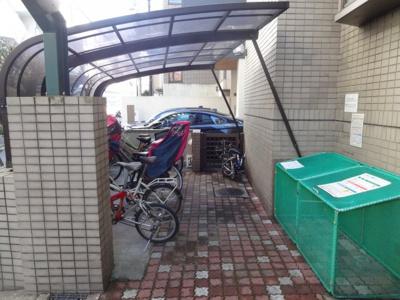 ドルフ中村 駐輪場