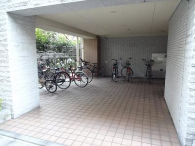 レフィーズ上野 駐輪場