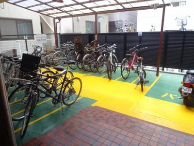パレストライ21ビル バイク置き場・駐輪場