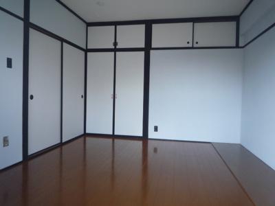 【洋室】ヴィラナリー柳町
