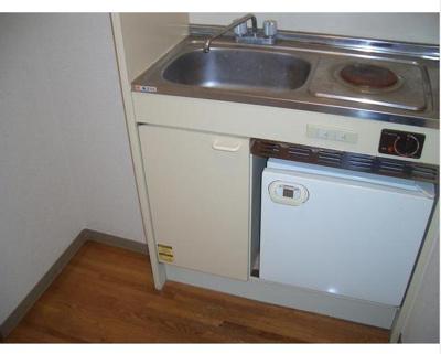 ミニ冷蔵庫・電気1口コンロ付き