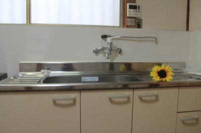 【キッチン】六番町 貸家