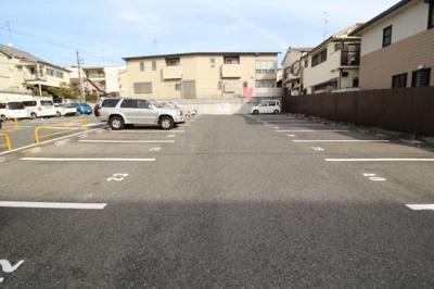 【駐車場】KUSABAマンション