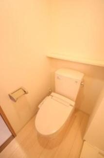 【ロミスカイ南久宝寺】清潔感のあるトイレです