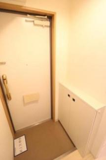 【ロミスカイ南久宝寺】ゆったりとした玄関です