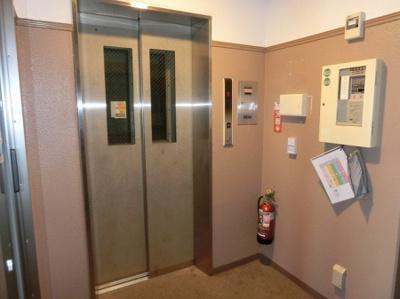 アプレンデールのエレベーター