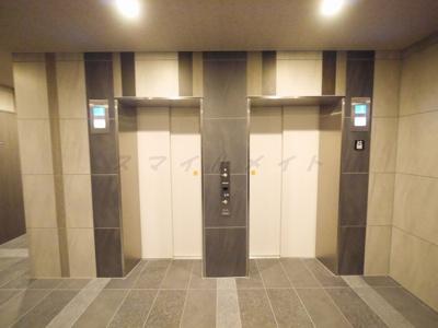エレベータ2台あります。