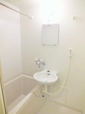 バストイレ別、浴室換気乾燥機付き