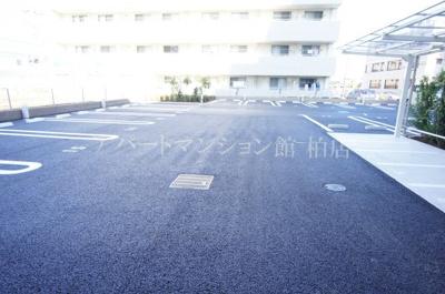 【駐車場】アヴェニール柏の葉