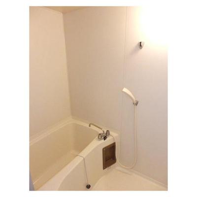 第一登美ビルの浴室
