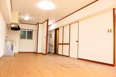 【居間・リビング】那覇市首里赤平町中古マンション 赤平分譲住宅