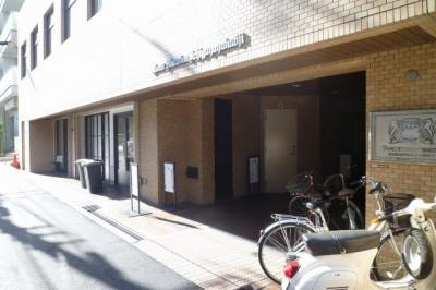 【エントランス】ライオンズマンション市谷薬王寺