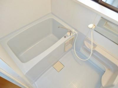 小窓のあるお風呂