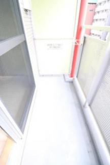 【Romi Sky 南久宝寺(ロミスカイ南久宝寺)】開放的で明るい空間を演出してくれるバルコニーです